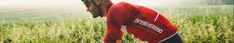 Fahrradtrikot und Shorts von Paceheads